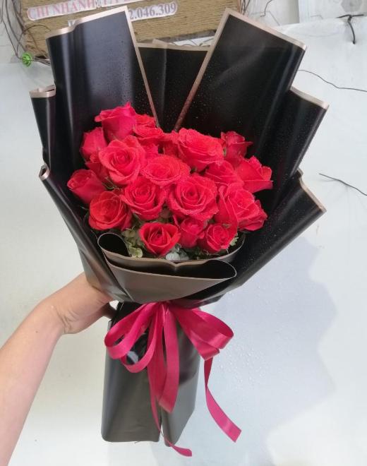 red roses vietnam